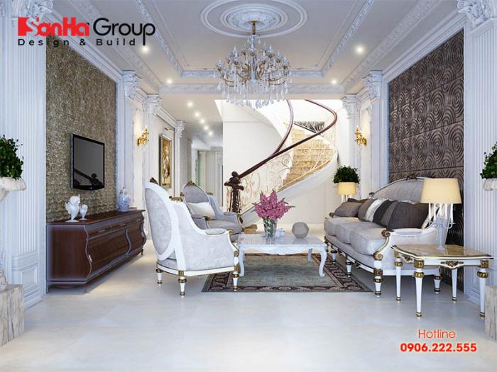 Nội thất phòng khách mang hơi hướng tân cổ điển sang trọng thanh lịch với hệ đèn chùm cao cấp