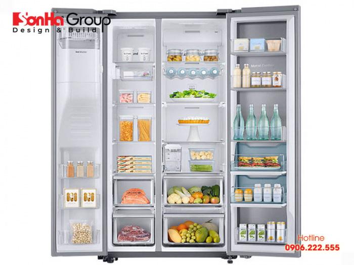 Tủ lạnh đặt trong phòng khách là điều không còn lạ lẫm ngày nay