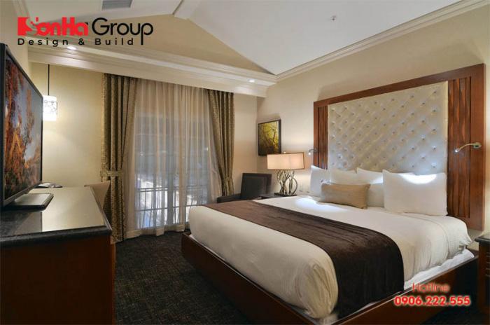 Căn phòng ngủ khách sạn với thiết kế màu sắc độc đáo, kiểu dáng đơn giản mà tinh tế đật chuẩn 2 sao