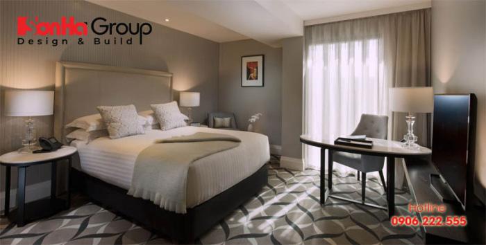 Giường ngủ êm ái với hai tấm nệm dày kết hợp, kết hợp cửa sổ nhìn ra toàn thành phố tạo nên một view hoàn chỉnh