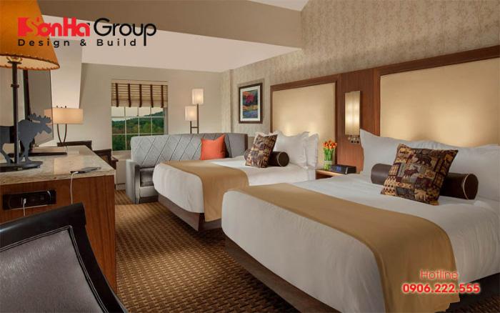 Mẫu phòng ngủ khách sạn rộng rãi với 2 giường đôi tiện dụng cho khách hàng