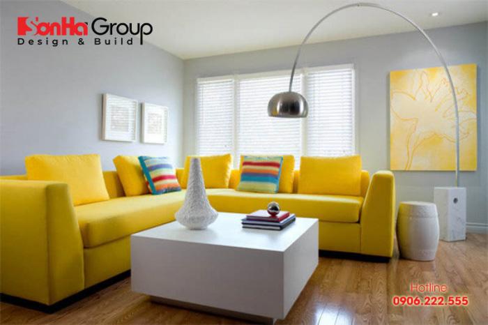 Màu sắc trang trí hợp với phòng khách tuổi Mậu Thân là màu vàng