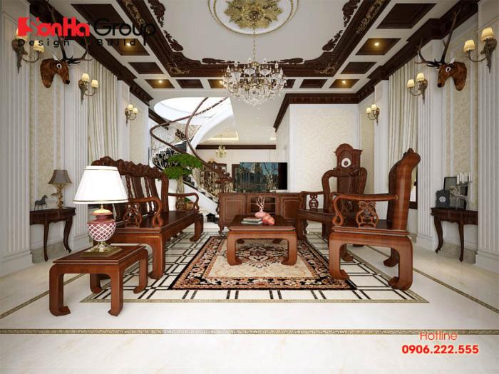 Nội thất phòng khách cổ điển nhẹ nhàng, sang trọng tinh tế trên không gian rộng rãi được chủ đầu tư vô cùng hài lòng và đánh giá cao