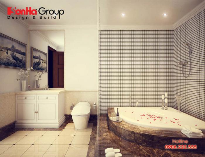 Nội thất phòng vệ sinh kiểu cổ điển sang trọng có bồn tắm ấn tượng dành cho nhà phố kiến trúc pháp cao cấp