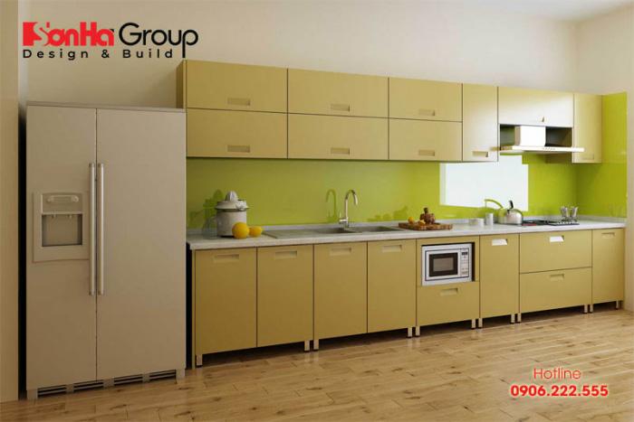 Thiết kế tủ bếp màu nâu gỗ phù hợp phong thủy người có mệnh Mộc
