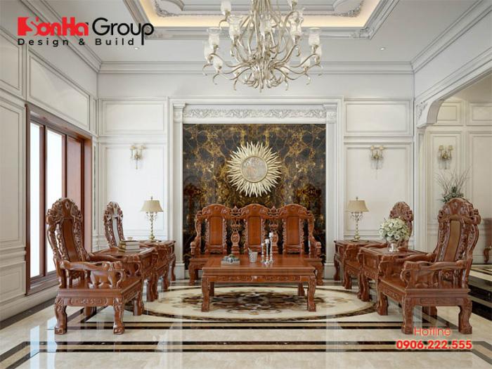 Mẫu thiết kế nội thất phòng khách cổ điển đẹp với điểm nhấn là bộ đồng kỵ sang trọng, bền đẹp