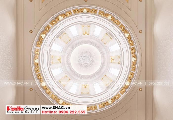 Mái vòm trang trọng của ngôi biệt thự được đầu tư thiết kế tinh tế đến từng tiểu tiết