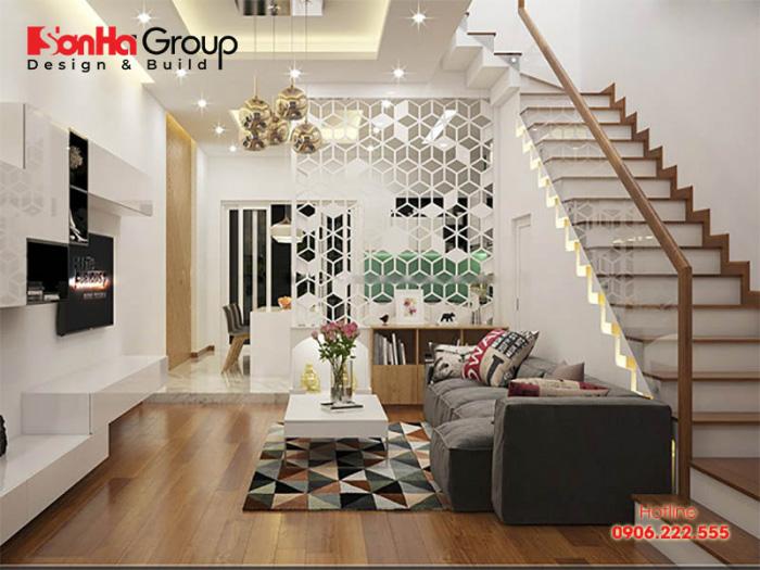 Để khiến cho ngôi nhà nổi bật được những góc đẹp nhất, bạn nên dùng đèn âm trần, đèn hốc tường hoặc đèn hắt để chiếu sáng