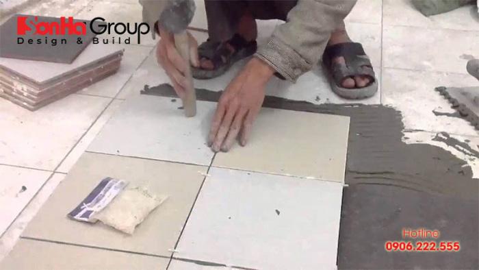 Keo dán gạch được nghiên cứu nhằm khắc phục nhược điểm của xi măng ốp lát