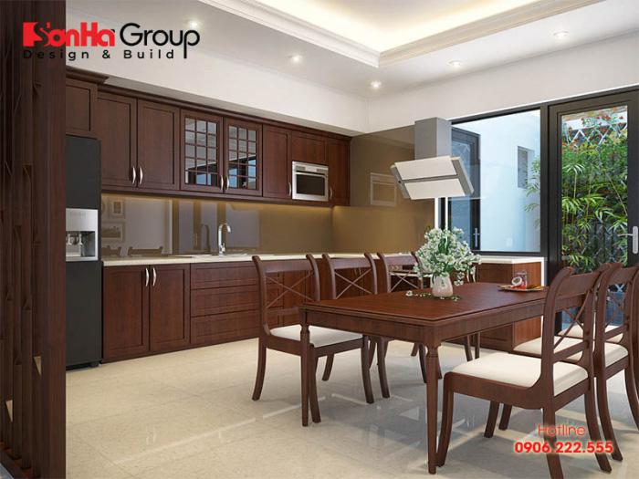 Không gian phòng bếp ăn đẹp với nội thất gỗ thịt sang trọng dành cho nhà phố tiện nghi