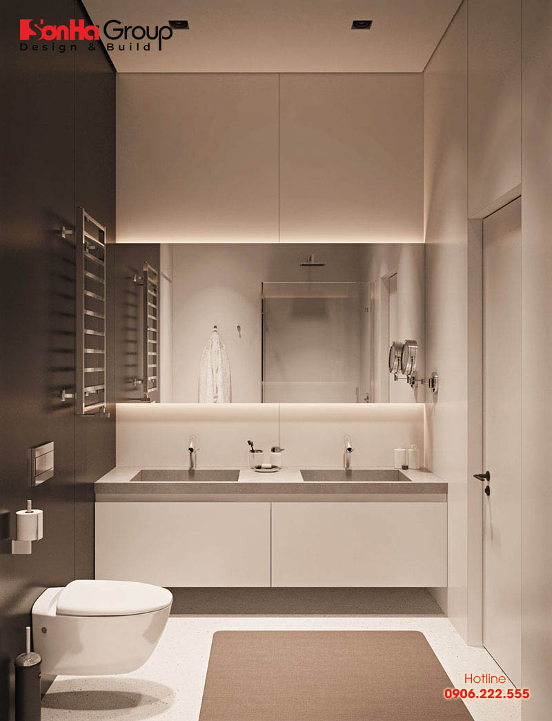 Phòng tắm nhỏ nhưng nhờ cách xử lý không gian khoa học mà KTS Sơn Hà bố trí bồn tắm tiện dụng cho sinh hoạt được chủ nhân rất ưng ý