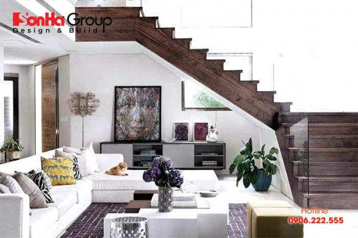 Trang trí cầu thang phòng khách có thế được thực hiện nhiều cách