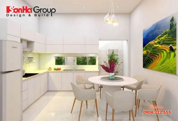Mẫu phòng bếp liên thông phòng ăn có thiết kế nội thất hiện đại dành riêng cho nhà ống diện tích nhỏ