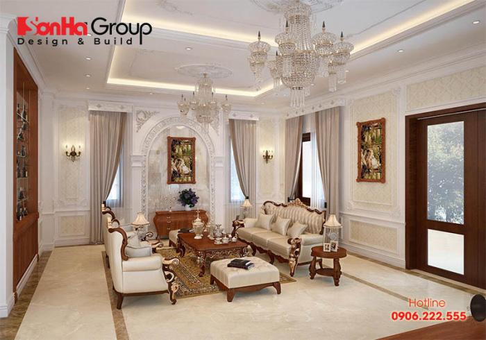 Phòng khách thiết kế với gam màu vàng kem chủ đạo, được tô điểm thêm bởi các gam màu sống động của đồ dùng và vật dụng trang trí nội thất đẹp