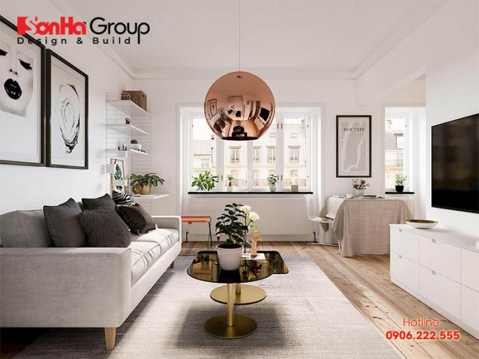 Trắng, be,... luôn là những gam màu được ưu tiên lựa chọn giúp căn phòng khách chung cư nhỏ ăn gian thêm diện tích