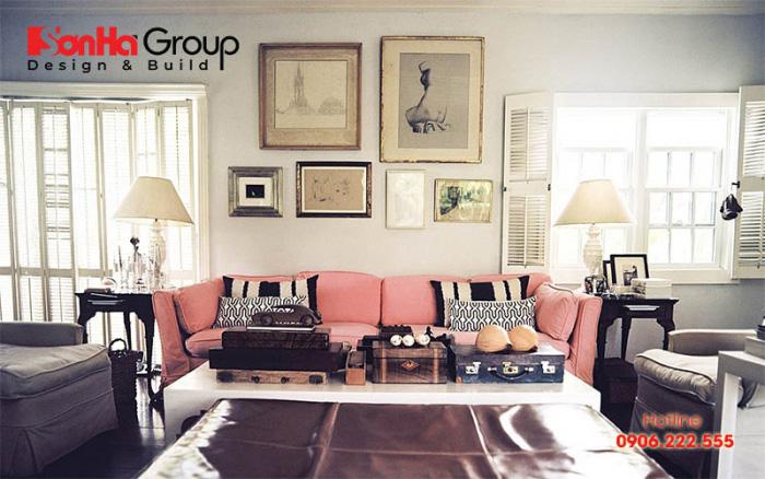 Trang trí phòng khách vintage không thể bỏ qua những bức tranh nghệ thuật
