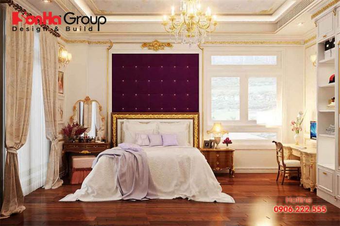 Căn phòng ngủ mang đậm chất cổ điển châu Âu sang trọng và ấm cúng