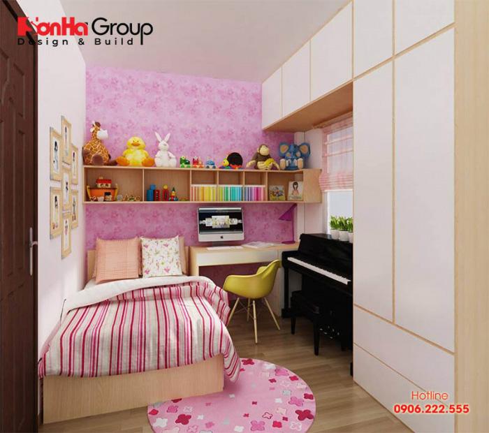 Để mang lại sự độc đáo, mới lạ cho phòng ngủ của trẻ bạn có thể trang trí những giấy dán tường họa tiết, thảm trải sàn hay những phụ kiện