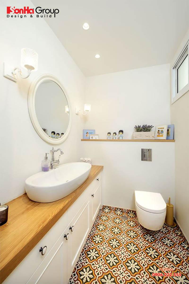 Đối với phòng tắm 2m2, bạn cần lưu ý đến việc phân chia không gian khô và ướt sao cho thật hợp lý