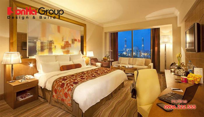 Không gian phòng ngủ khách sạn 4 sao với thiết kế mở tận dụng mọi góc view đẹp