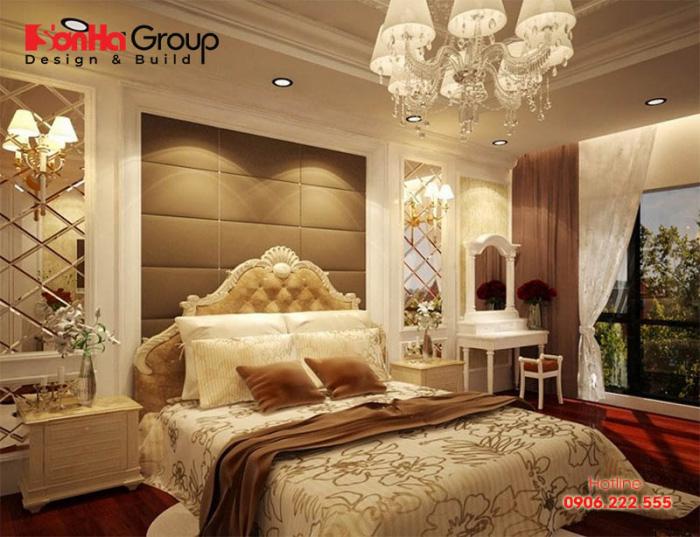 Mẫu nội thất phòng ngủ kiểu cổ điển được trang trí sắc trắng kết hợp vàng quyền quý ấn tượng ở mọi đồ vật