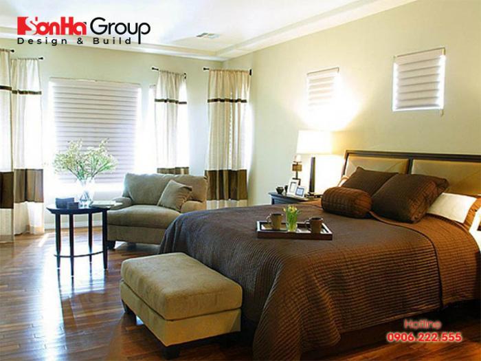Nên đặt vị trí giường ngủ của bố mẹ cách xa cửa sổ để tránh gât mất ngủ hay nằm mơ
