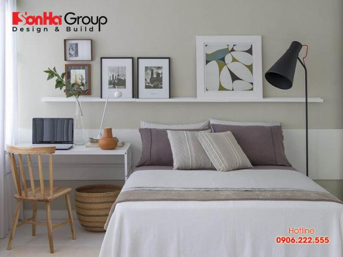 Sử dụng gam màu trắng và trung tính nhã nhặn để trang trí cho phòng ngủ 10m2 nhỏ gọn, tiện nghi