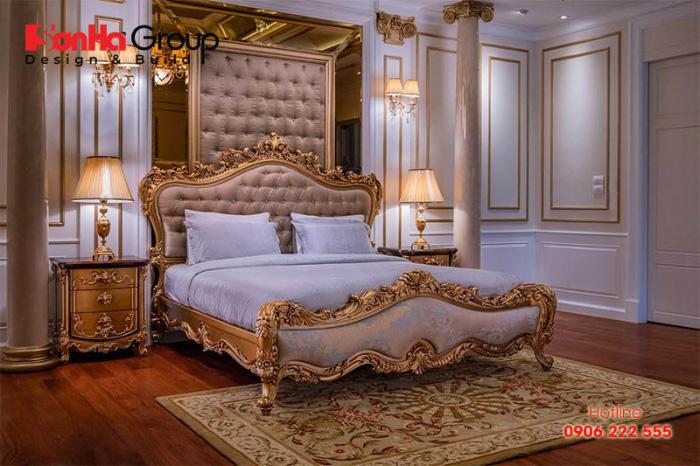 Sự tinh tế được cảm nhận một cách rõ nét trong phương án thiết kế nội thất phòng ngủ cổ điển hoàng gia này