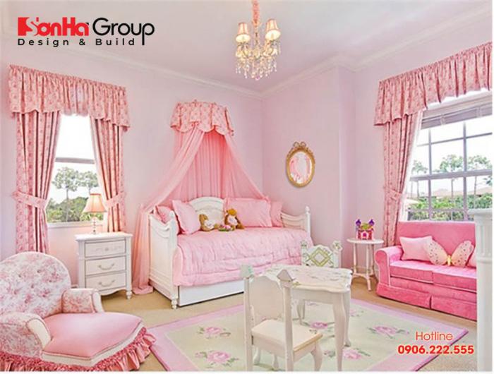 Thay vì sử dụng tông màu sặc sỡ thì thiết kế nội thất phòng ngủ công chúa theo tông màu hồng trắng này cũng là một ý tưởng không tồi