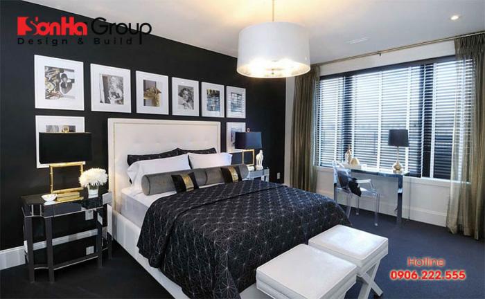 Tường đen kết hợp với trần màu trắng, không gian sẽ sáng và đẹp