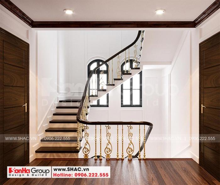Thiết kế hệ thống sảnh thang và chiếu nghỉ rộng rãi của biệt thự 3 tầng kiến trúc tân cổ điển sang trọng