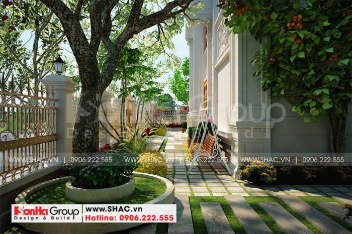 Sân vườn dù diện tích không lớn nhưng đẹp hút hồn nhờ bố trí hợp lý