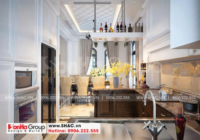 Không gian phòng bếp và phòng ăn liền kề tại tầng 1 của biệt thự với sắc màu trầm ấm, hoàn hảo được gia chủ đánh giá rất cao