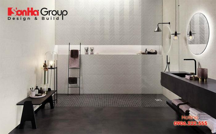 Sử dụng gạch lát chống trơn trượt cho phòng tắm là giải pháp phổ biến
