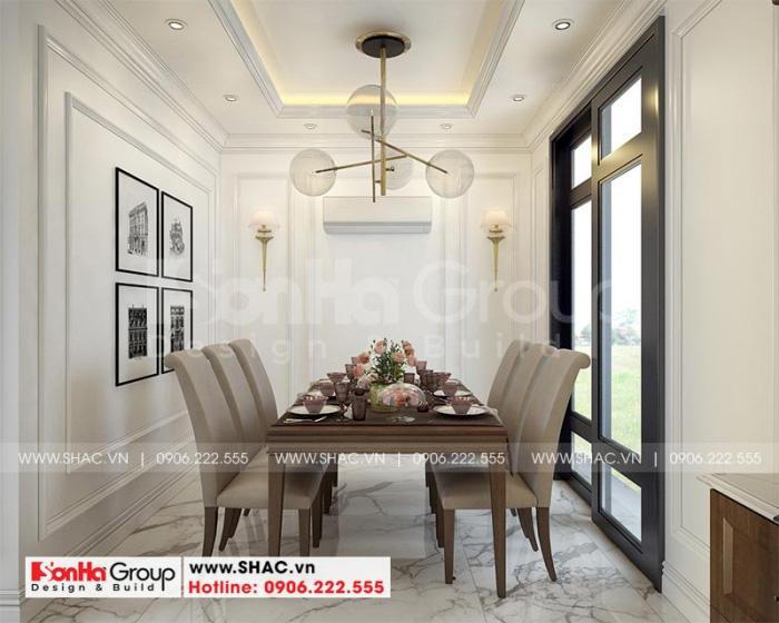 Bộ bàn ăn được bố trí gọn gàng và phù hợp trong không gian bếp ăn ngôi nhà