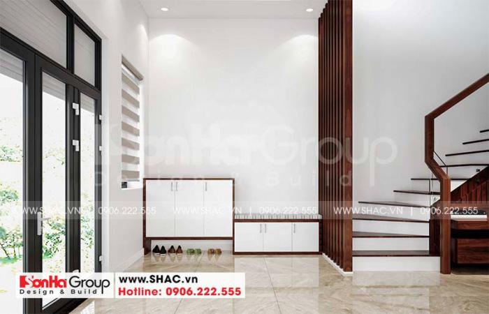 Thiết kế sảnh thang được tận dụng triệt để các góc cho trang trí