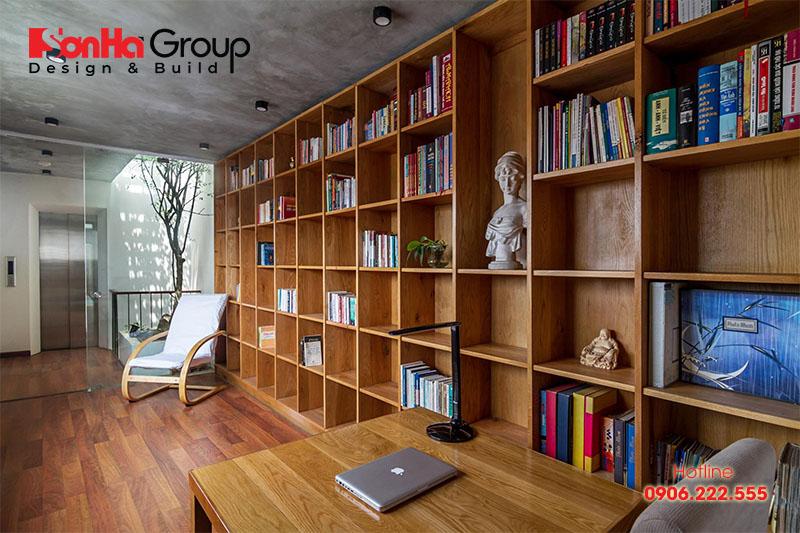 Trang trí nội thất phòng đọc sách sẽ không thể thiếu những chiếc kệ