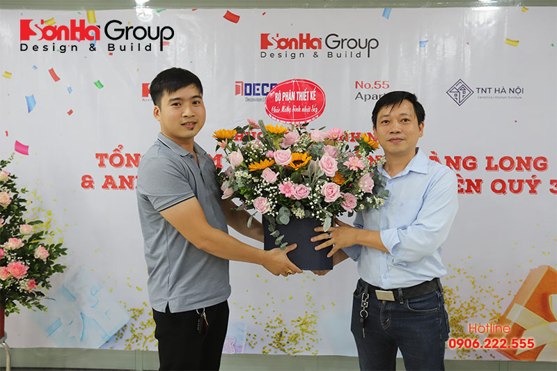 29 Tổng giám đốc Nguyễn Hoàng Long cùng CBNV Sơn Hà Group