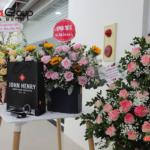 3 hoa và quà trong ngày tiệc liên hoan sinh nhật CBNV Sơn Hà Grou