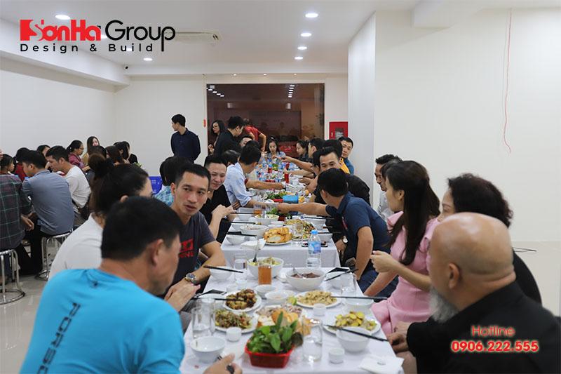 7 bữa tiệc là cơ hội để CBNV Sơn Hà Group hiểu nhau hơn