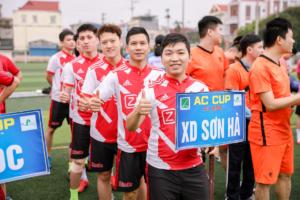 Các tuyển thủ Sơn Hà Group đã có mặt trên sân cỏ